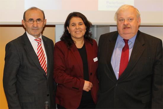 (von links nach rechts: Tayfun Keltek, Gülistan Yüksel, Minister Guntram Schneider)