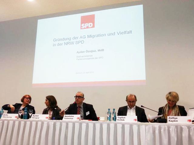 Podiumsdiskussion bei der Gründungsversammlung (Foto: Gülistan Yüksel (SPD))