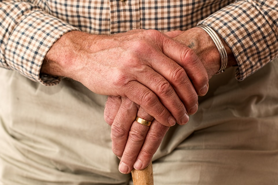 alte Hände_pflege